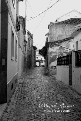 Channel Mixer - Ruas de Azambuja - edição a preto e branco